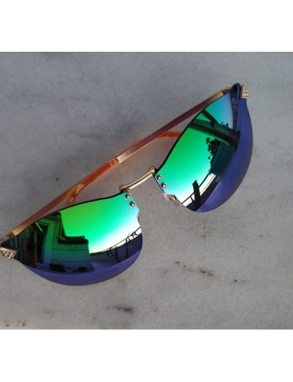Aynalı Hologram Güneş Gözlüğü