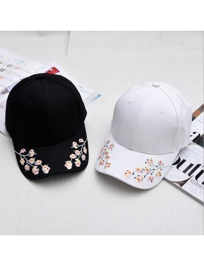 Nakışlı Bahar Çiçekleri Şapka